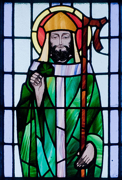 409px-Kilbennan_St._Benin's_Church_Window_St._Patrick_Detail_2010_09_16