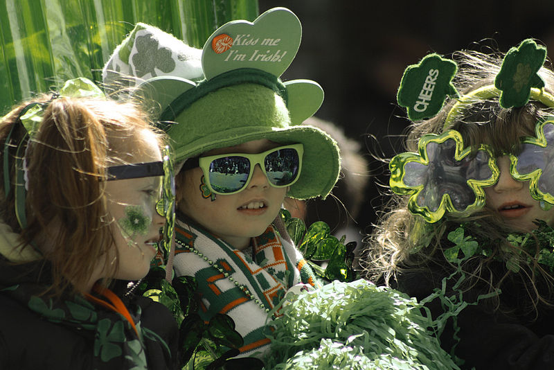 800px-St_Patricks_Day_Parade_Montreal